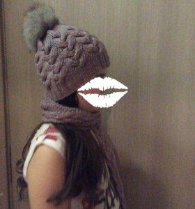 Вязаная шапка и шарф .