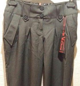 Новые брюки р.42
