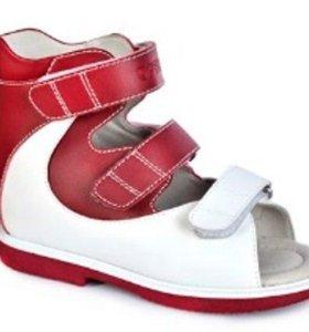 Новые ортопедические сандалии