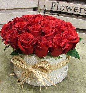 Коробка роскошных роз