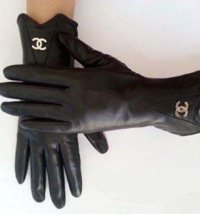 Перчатки Chanel кожа