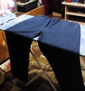 Большие мужские джинсы.