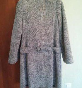 Пальто демисезонное 46-48