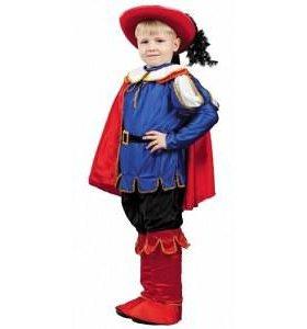 Продам новогодний костюмы на мальчика