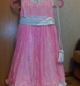 Платье. Р-р 122.