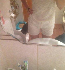 Фирменные шорты джинсовые и хб