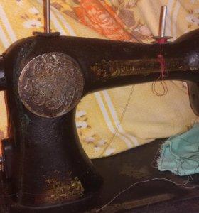 Продам ручную швейную машинку