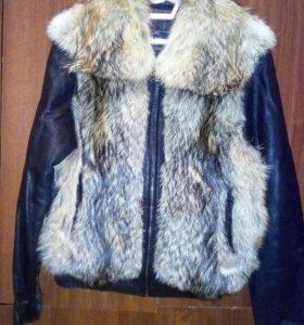 Натуральная зимняя куртка с мехом волка