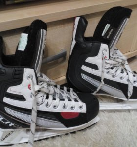 Хоккейные коньки OXELO XLR3, р.38