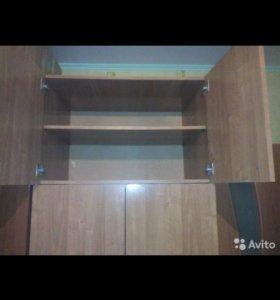 Продаются -Один отсер шкаф с полочками высота друг