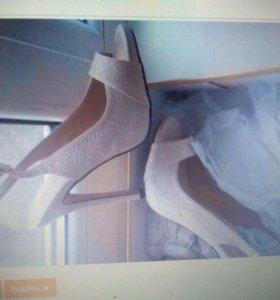 Новые женские туфли р 37.5