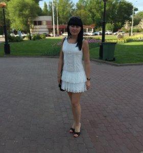 Платье кружевное очень красивое!!!