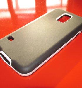 Силиконовый чёрный чехол на Samsung Galaxy S5