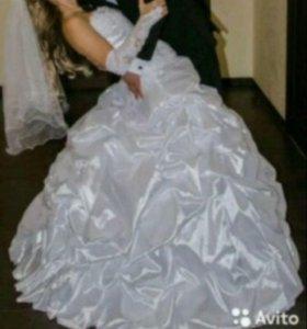 Очень красивое свадебное платье+ПОДАРОК