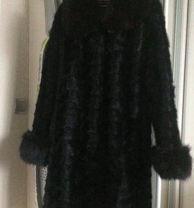 Шуба норка ,цвет чёрный,размер 46-48.