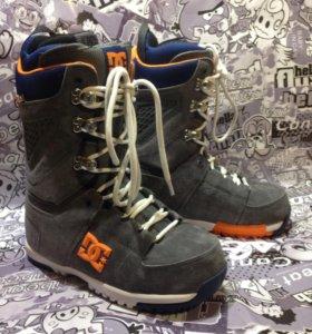 Ботинки для сноуборда DC SHES