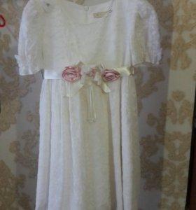 Платья нарядное очень красивый