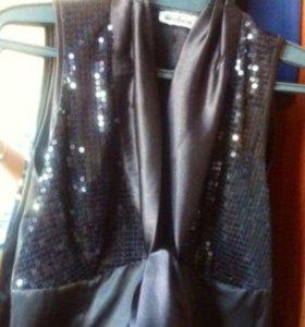 Платье атласное с пайетками