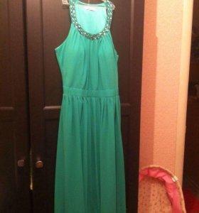 Продаю платье ярко зеленого цвета
