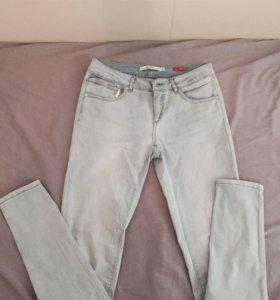 Светлые новые джинсы размер 36 (46-48)
