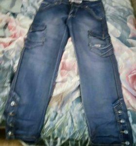 Джинсовая рубашка и джинсы