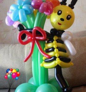 Букет ромашек с пчёлкой