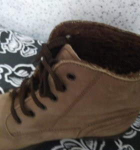Ботинки зимние , срочно!