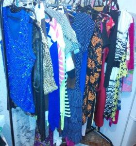 Очень много одежды от 100 до 500р!