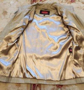 Новая кожаная куртка 42-44