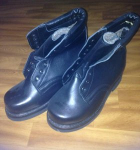 Ботинки - сапожки новые
