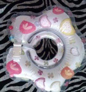 Круг для купания Happy baby dolfy