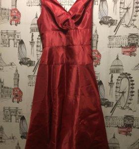 Брендовое платье размер L