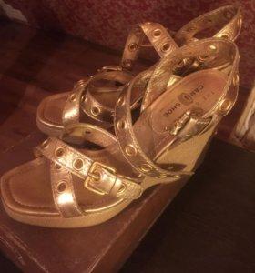 Босоножки, женские туфли