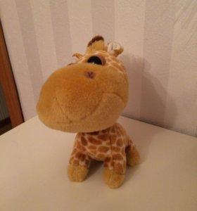 Плюшевый жираф грустные глаза