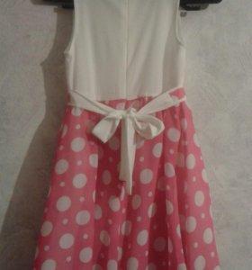 Платье на девочку 6-8лет.