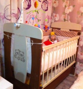 Кроватка и спальные принадлежности