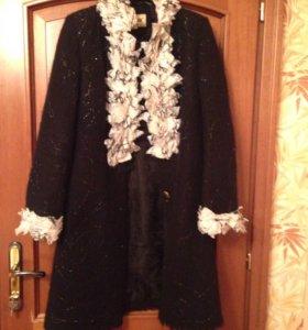 Пальто российской дизайнерской фирмы Юкостайл
