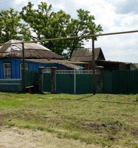 Продается дом на  большом земельный участок