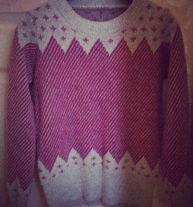 Новый свитер 46р