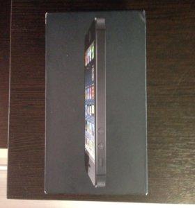 Коробка с бумажками от IPhone 5 чёрный.