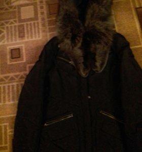Теплая курточка с натуральным мехом чернобурки