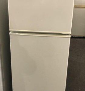 Холодильник бу Атлант