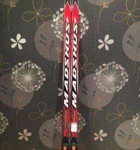 Лыжный комплект (лыжи, ботинки, палки)