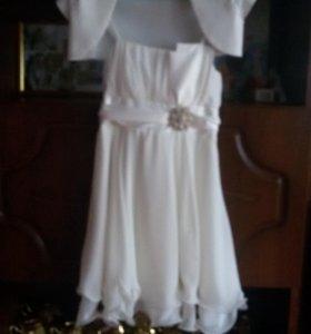 Платье на девочку лет6-8
