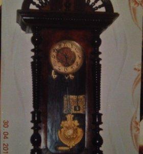 Антикварные часы с кукушкой