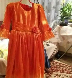 Продам  платья на девочку 6 лет