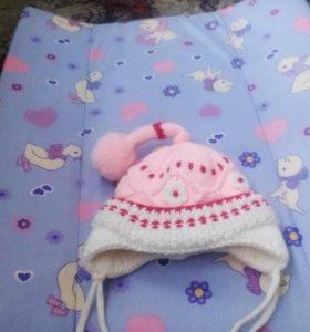 Теплые шапочки и наборчик для девочек!