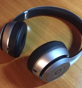 Beats Solo 2 Wireless. Space Gray