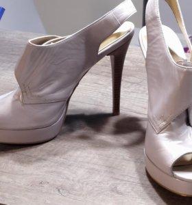 Туфли женские 40 размера
