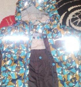 Продам детский демисезонный костюм на мальчика